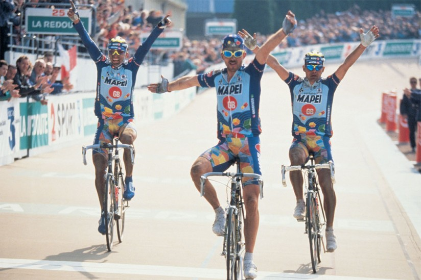 Museeuw, Bortolami and Tafi enter the velodrome together 1996