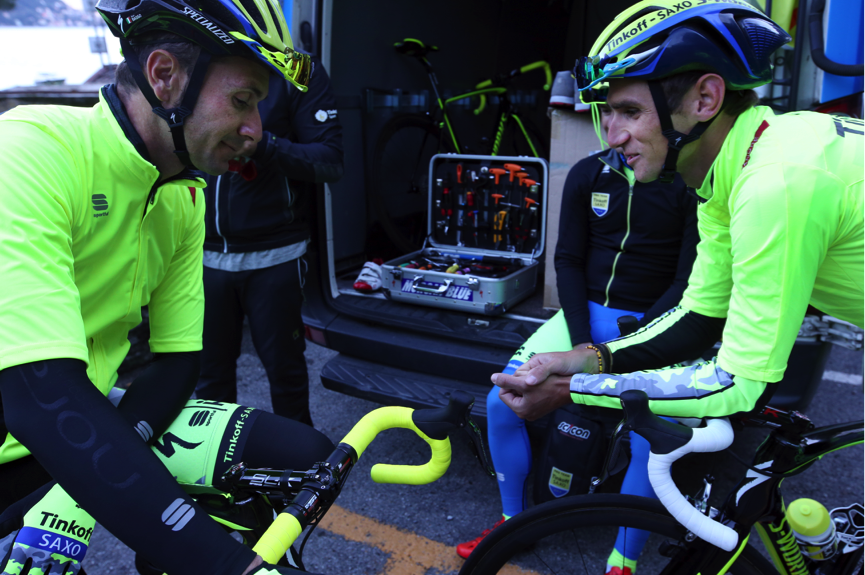 2 classy pro's - Basso & Kreuziger pre ride chat… Ivan would announce his retirement from the sport later that day, a true pro and gentlemen, generous with his time and words…