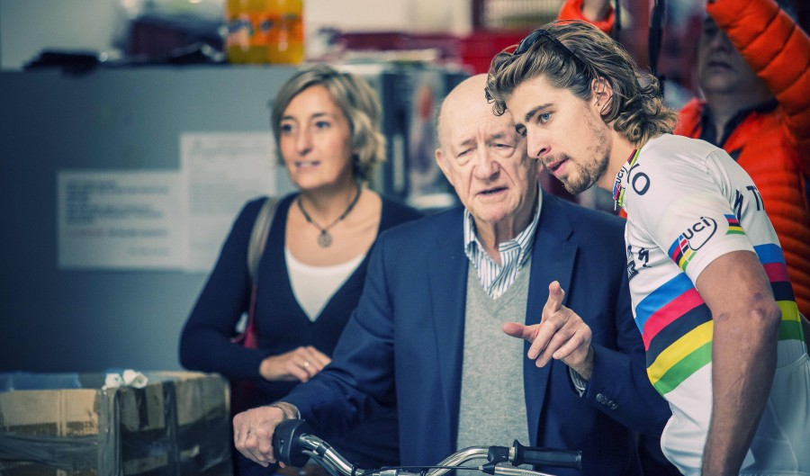 Sportful founder Dr. Cremonese shows Peter Sagan around the factory.