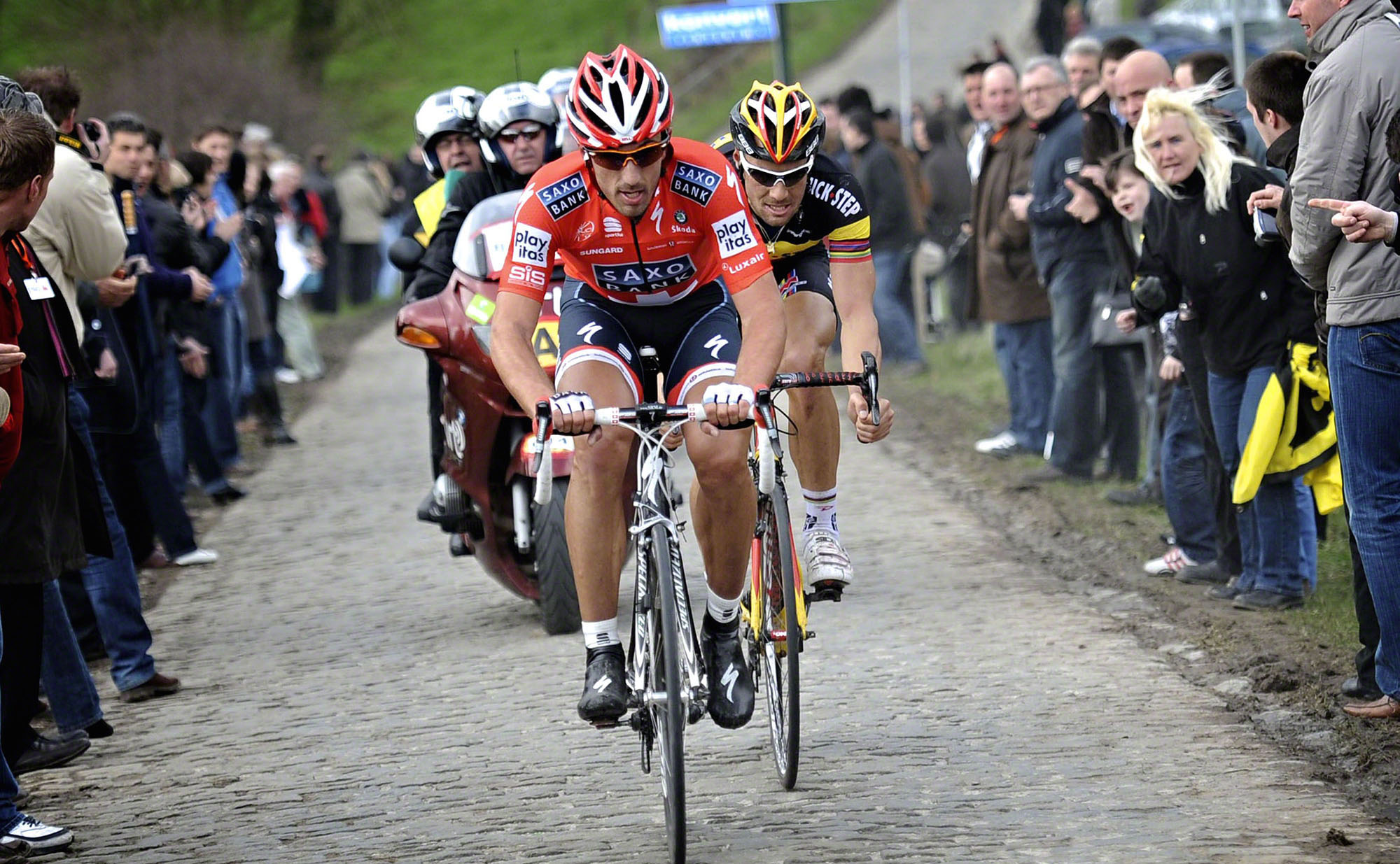 Cancellara powers to the front - 2010 RVV
